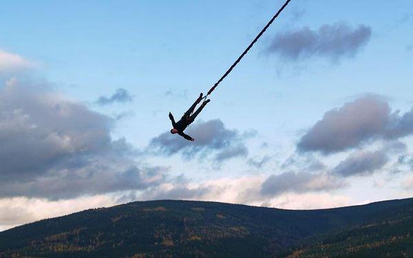 Bungee jumping z televizní věže v Harrachově5