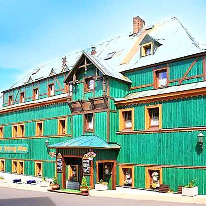 Krušné hory – Boží Dar v hotelu s polopenzí a zapůjčením holí na Nordic walking