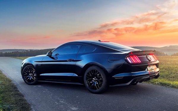 Jízda ve Ford Mustang GT 5.0 - 10 minut | Olomouc | 1. duben – 31. říjen | 10 minut jízdy + 15 minut administrativa2