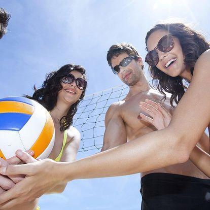 1 hod. plážového volejbalu na profi hřišti