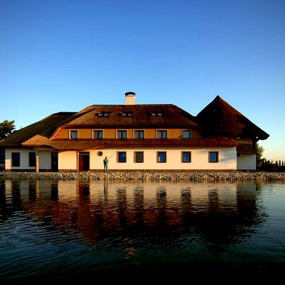 Západní Slovensko: Pension & Restaurant Rybársky Dvor