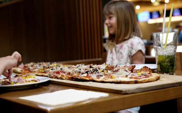 Metrová pizza Scrocchiarella3