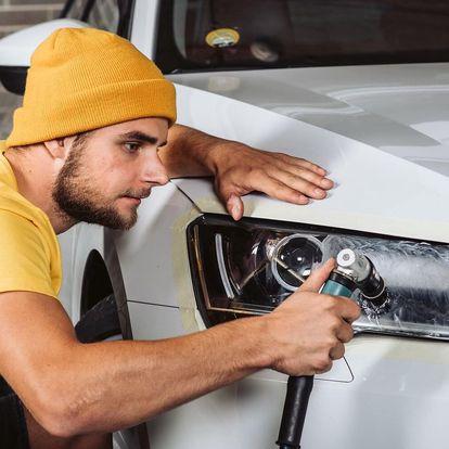 Renovace a leštění předních světlometů auta