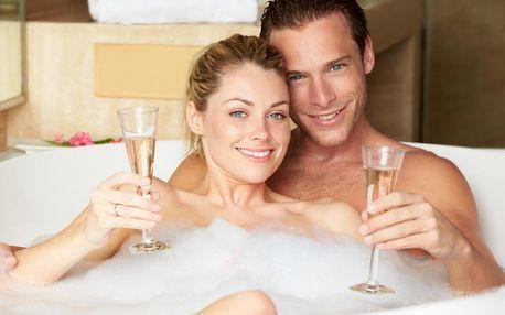 90 minut v privátním wellness: sauna i vířivka