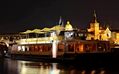 Luxusní večeře na lodi v Praze