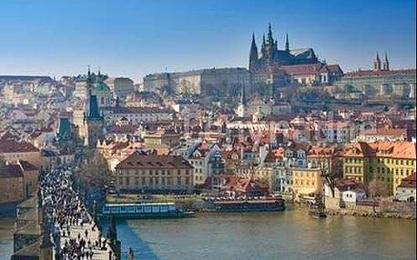 Příjemné ubytování v zimní Praze pro dva v komfortním hotelu Aida s bohatými snídaní