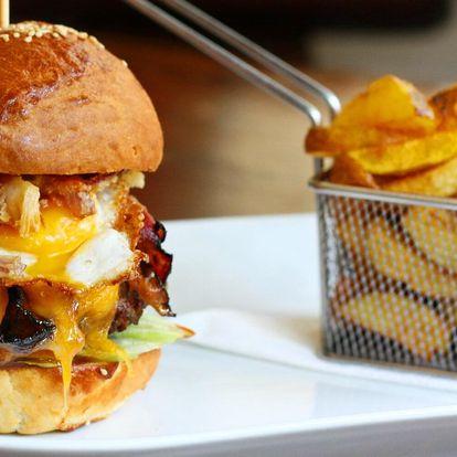 Burger podle výběru ze 3 druhů a domácí hranolky