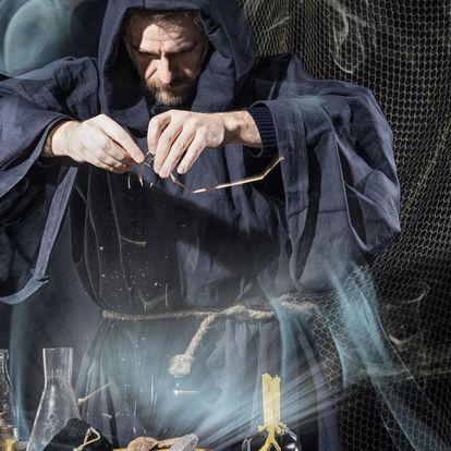 Venkovní úniková hra Alchymista pro 2–5 hráčů