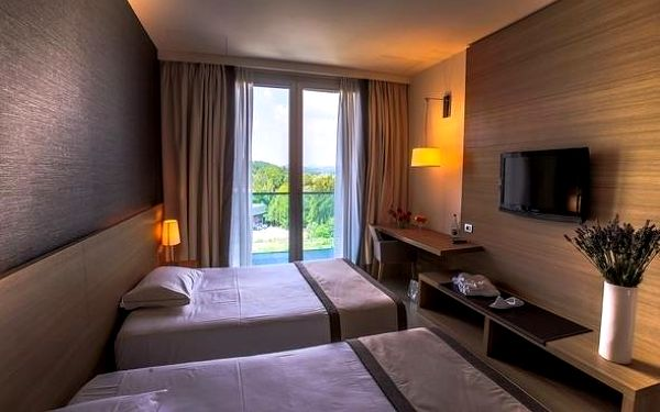 Moderní hotel nedaleko Milána se 100% hodnocením 3 dny / 2 noci, 2 os., snídaně3