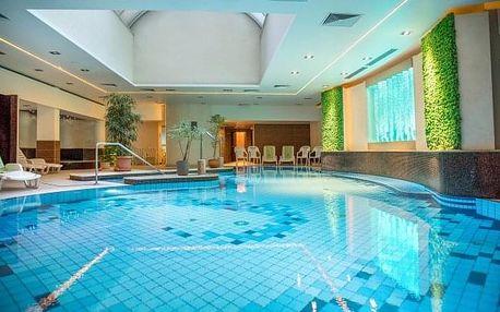 Maďarsko: Hotel Palace **** 800 m od termálního jezera Hévíz + neomezené wellness, polopenze a dítě zdarma