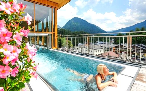 Rakousko ve Spa Hotelu Erzherzog Johann **** s neomezeným wellness, zapůjčením kol a polopenzí