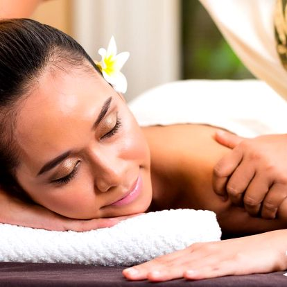 Medová masáž, lávové kameny či těhotenská masáž