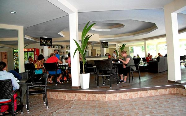 Hotel Lotos, Kiten, vlastní doprava, snídaně v ceně2