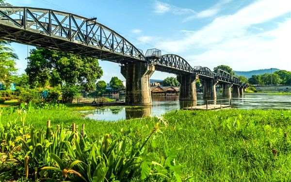 Za nejkrásnějšími památkami a plážemi Thajska, letecky, strava dle programu2