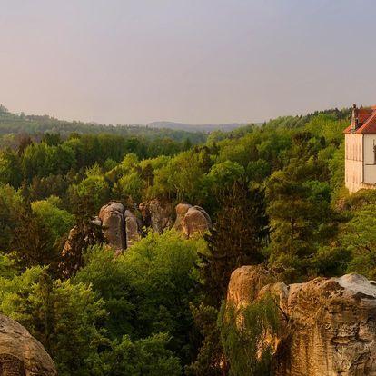 Pobyt přímo pod hradem Trosky: polopenze, výlety
