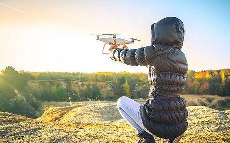 Dron - létání s nohama na zemi