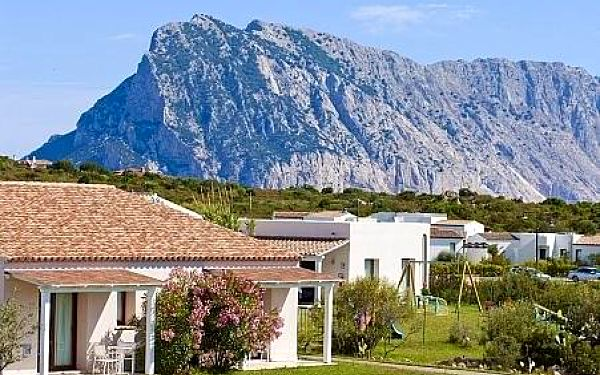 Grande Baia Hotel, Sardínie, letecky, polopenze2