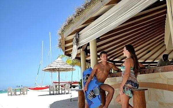 Paradise Island Resort & Spa, Maledivy, letecky, all inclusive4