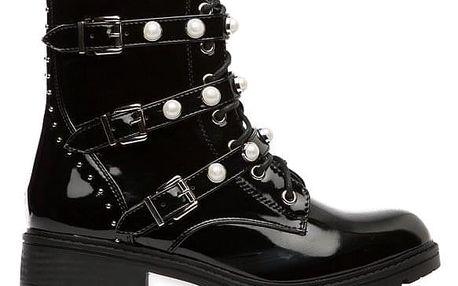Dámské černé lesklé kotníčkové boty Luanelo 117A