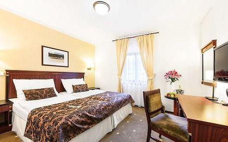 Třebíč: Hotel U Černého orla **** s polopenzí a vstupy do aquaparku a památek