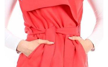 Dámská jednobarevná vesta s páskem korálová