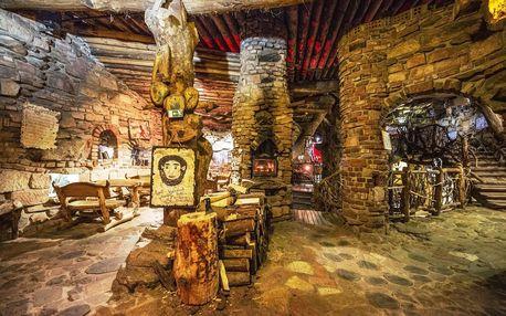 Ubytování u Pekla Čertovina v Mobilheimech včetně stravy a vířivky