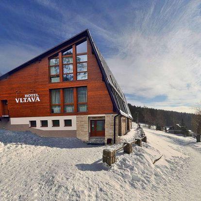 Zima v Hotelu Vltava v Krkonoších pro 2 + 2 děti do 15 let zdarma