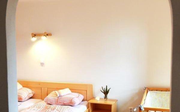 Dvoulůžkový pokoj s oddělenými postelemi a sdílenou koupelnou3