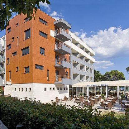 Chorvatsko, Omiš | Hotel Plaža**** | Polopenze | Dítě do 1,99 let zdarma | 1. řada u moře