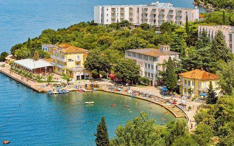 Chorvatsko, ostrov Krk | Hotel Adriatic – Omišalj** 50 m od pláže | Polopenze