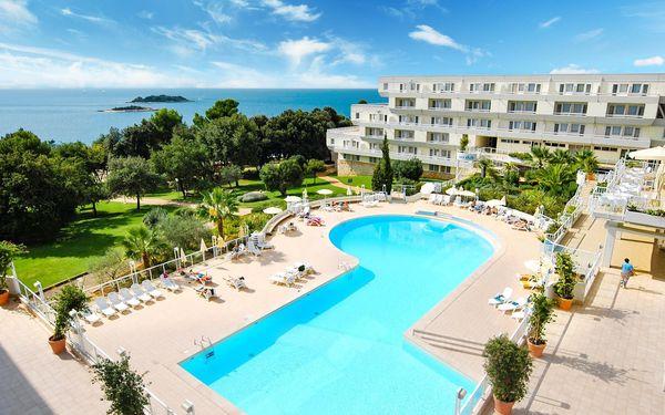 Chorvatsko, Istrie | Hotel Delfin** | Polopenze | Dítě do 11 let zdarma