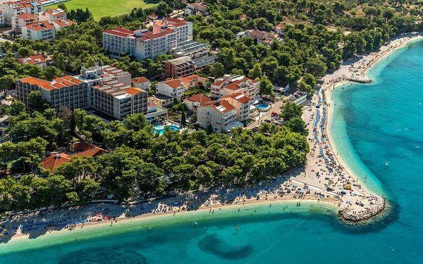 Chorvatsko, Baška Voda | Bungalovy Urania** 50 m od pláže | Dítě zdarma | Light all inclusive