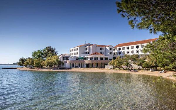 Chorvatsko, Pirovac | Hotel Miran*** 30 m od pláže | Dítě zdarma | Polopenze nebo All inclusive light