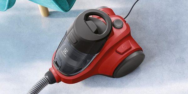 Podlahový vysavač Electrolux Ease C4 EC41-ANIM červený5