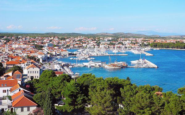 Chorvatsko, Vodice| Hotel Kristina** na pláži | Dítě do 12 zdarma | Bazén | Polopenze