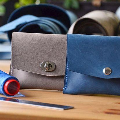 Kurz výroby z kůže: vlastnoruční pásek i psaníčko