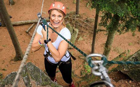 Adrenalinová bomba: slaňování a zipline dráha