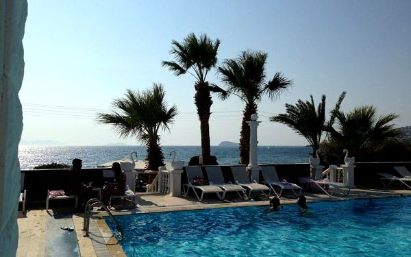 Hotel Sun and Sea Beach