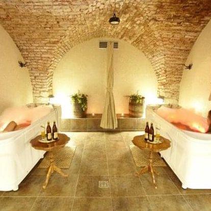 Černá Hora: Hotel Sladovna **** s polopenzí, wellness a masáží nebo pivní lázní