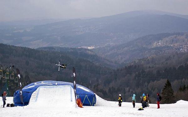 Skok na lyžích do air bagu   Rejdice   leden-březen (dle sněhových podmínek)   2 hodiny3