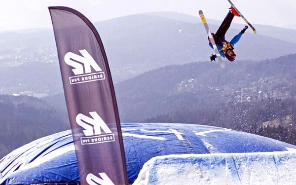 Skok na lyžích do air bagu   Rejdice   leden-březen (dle sněhových podmínek)   2 hodiny4
