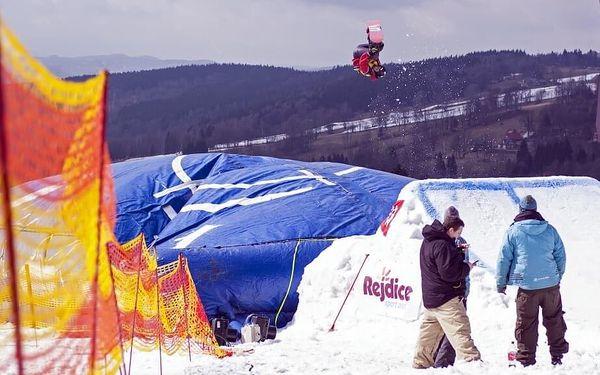 Skok na lyžích do air bagu   Rejdice   leden-březen (dle sněhových podmínek)   2 hodiny5