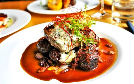 Kavkazské menu: hovězí steak či grilovaný losos