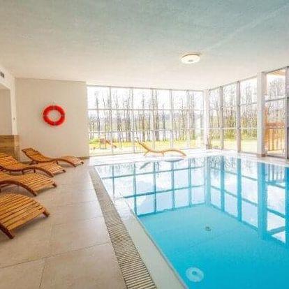 Lipno u skiareálu: Resort Orsino s polopenzí, bazénem, saunou a vínem