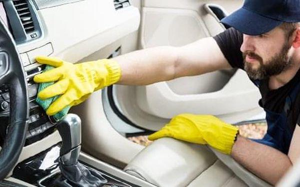 Kompletní a kvalitní ruční mytí interiéru vozu v Time Wash Cars4