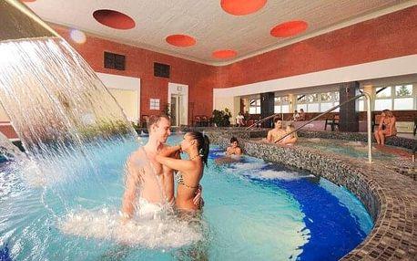 Maďarsko: Eger v Hotelu Flóra *** propojeném s termálními lázněmi, bohatým wellness a polopenzí