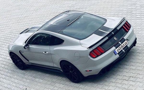 Ferrari 458 Italia vs. Ford Mustang GT350 Shelby, Praha, bez paliva, 1 osoba, 40 minut4
