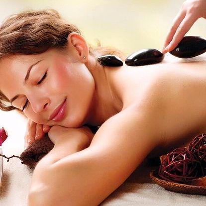 Relaxační masáž s lávovými kameny na 70 minut