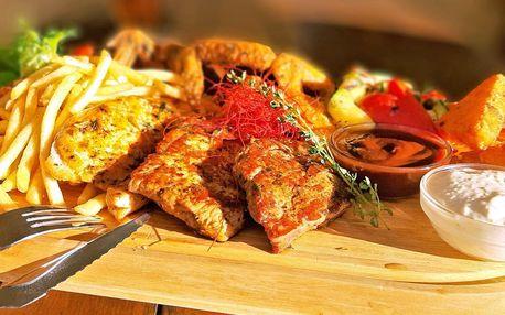 Steakové prkno: 4 druhy masa, příloha a 2 omáčky