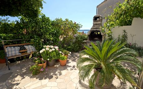 Chorvatsko - Jižní Dalmácie: Green Oasis Hvar town